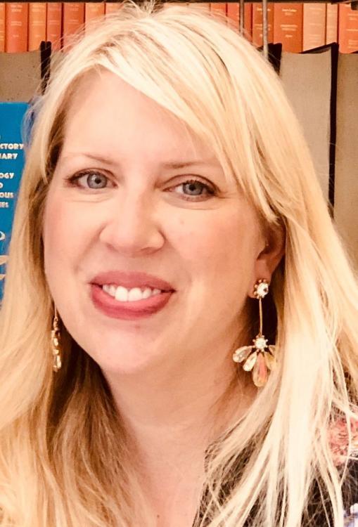 Katie Fischer Clune headshot
