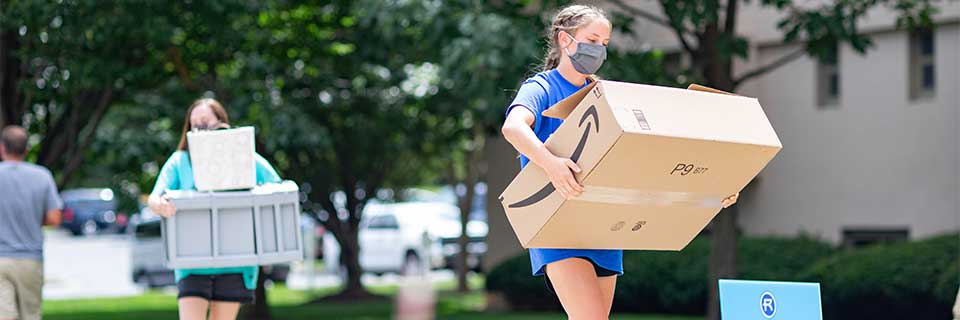 Freshmen students move in for the 2020 academic year at Rockhurst