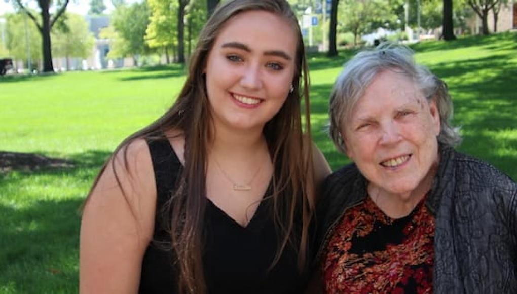 Student Emma Barben and her grandmother on campus
