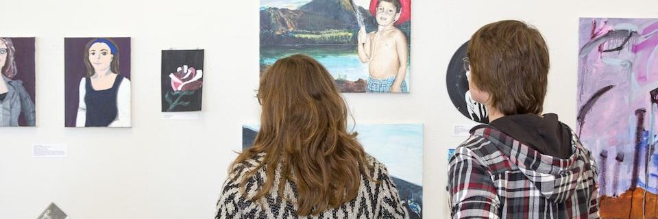Students view art on display at FOSA