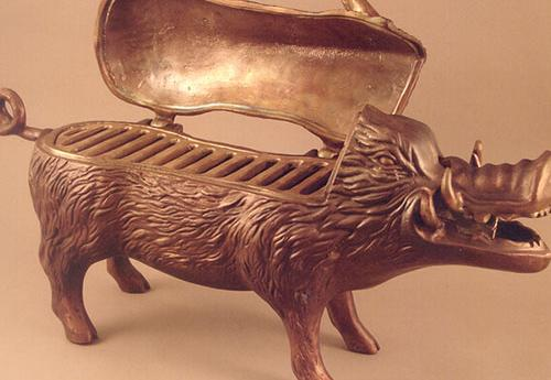 Bronze boar with grill